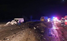 Tragická dopravná nehoda, zrážka osobného auta s kamiónom