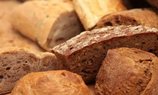 Za rožky a chlieb si v budúcom roku priplatíme, ceny pečiva porastú