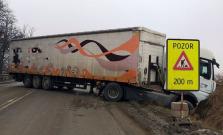 Na ceste medzi Veľkým Šarišom a Prešovom došlo k dopravnej nehode, úsek je neprejazdný