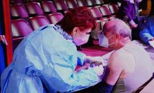 Od dnes nové veľkokapacitné centrum v Bardejove, aj mobilné očkovanie v obciach