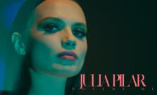 VIDEO   Julia Pilar prichádza so skladbou Povedz mi