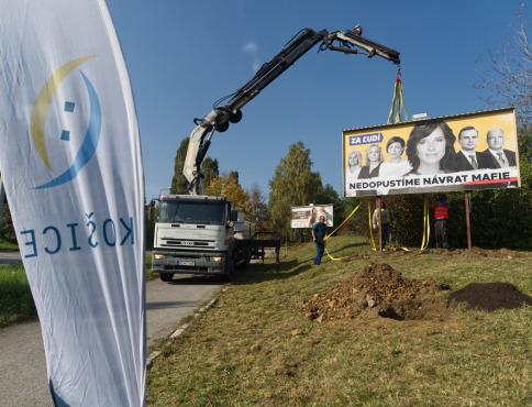 Košice odstránia 100 nelegálnych reklamných nosičov a namiesto nich vysadia stromy